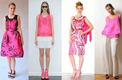 wanita dan pink