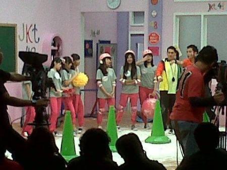 16 member dari Idol Grup JKT48 akan berperan sebagai murid dengan