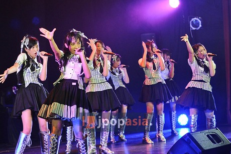 JKT48 Perform in Theater